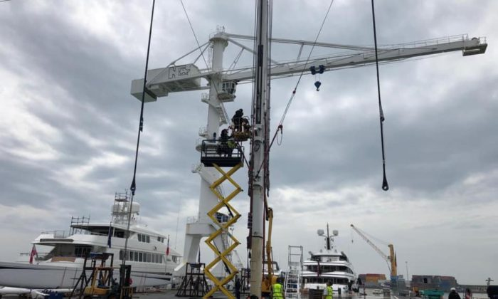 M5 – another far reaching rig inspection and refit for 90 metre mast
